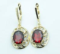Удлинённые  ажурные серёжки с красным камнем, английский замок