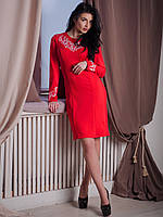 Женское красное трикотажное платье с вышивкой