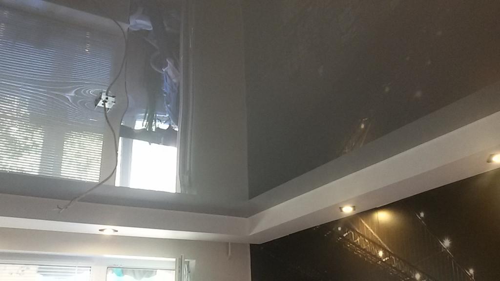 Натяжные глянцевые потолки -1