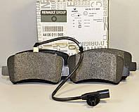 Тормозные колодки задние (с датчиком)  на Renault Master III 2010-> —  Renault (Оригинал) - 440601186R