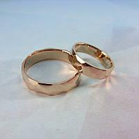 Кованые обручальные кольца с глянцевой поверхностью