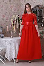 Яркое длинное женское платье в пол красного цвета