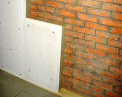 Монтаж панельной системы ЗИПС (шумоизоляция стен)