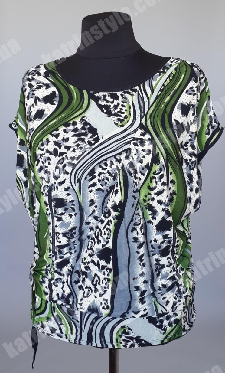 Модна жіноча блуза з оригінальним принтом