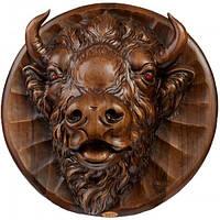 Настенная декоративная резная тарелка Зубр из дерева ореха