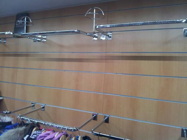 Экономпанель. Подставки под головные уборы. Торговые дуги хромированные для вешалок с одеждой.