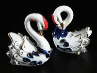 Статуэтка Два лебедя фарфор
