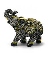 Фигурка слона с поднятым хоботом
