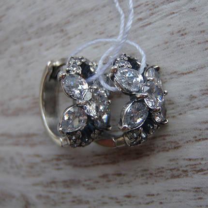 Миниатюрные серебряные серьги со вставками из прозрачного фианита, фото 2