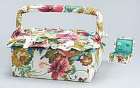 Шкатулка для рукоделия с цветами