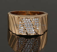 Видное кольцо с фианитами, покрытое золотом (127620)