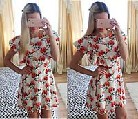 Легкое женское платье с цветочным принтом