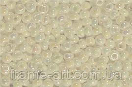 Бісер 46205 (10533) Preciosa (Чехія) білий райдужний перламутровий 25г
