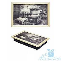 Поднос на подушке Приготовление натурального кофе (светлое дерево)