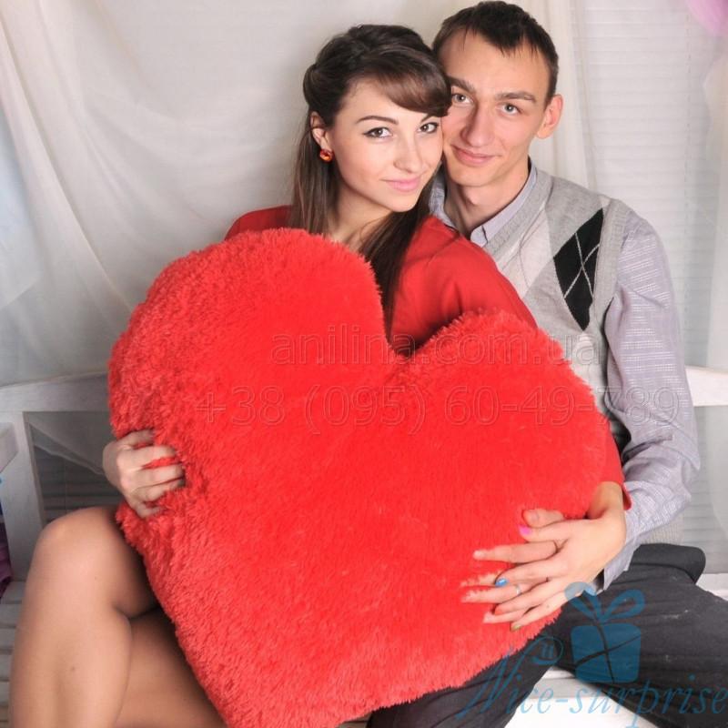 купить подушку в виде сердца
