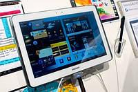 Samsung готовит два планшета с экраном 2560 на 1600