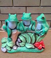 "Садовая скульптура ""Три лягушки на коряге"""
