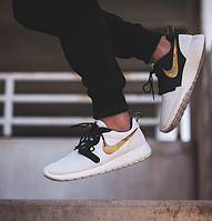 "Nike Roshe Run Hyperfuse ""Gold Trophy"""