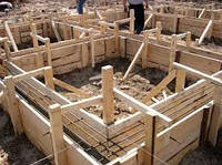 Установка опалубки, изготовление и монтаж арматурного каркаса, укладка готовой бетонной смеси