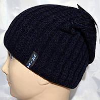 Стильная мужская шапка с кнопкой сзади