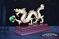 Дракон зигзаг с жемчужиной(камень) на поставке 18х30