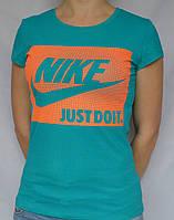 Женские футболки Nike