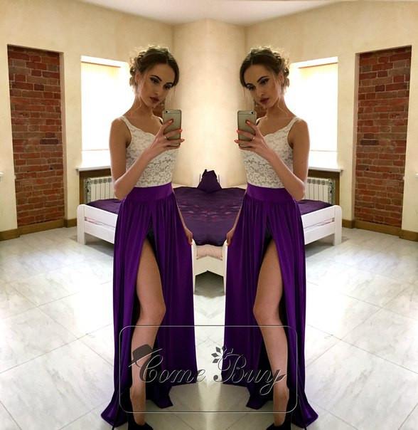 Платье с кружевом и длинным разрезом