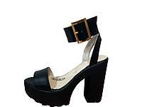 Женские босоножки на толстом каблуке чёрного цвета