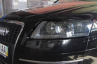 "Audi A6 (C6) - замена линз Hella классическая на биксеноновые линзы Hella NEW 3.0"" в фарах"