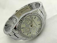 Женские часы Michael Kors цвет серебро, индикация даты, cristal