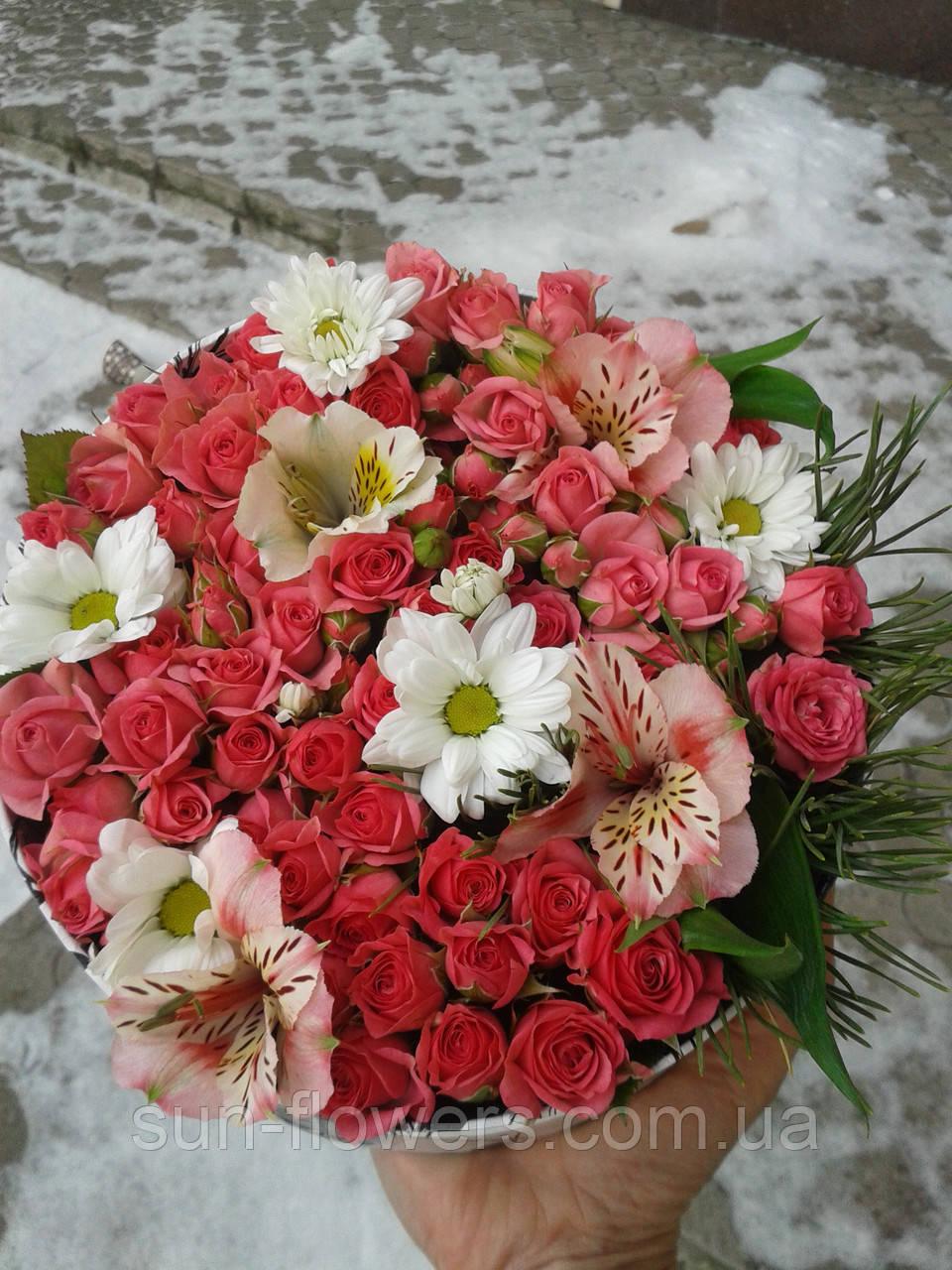 Цветы -микс в шляпной коробке