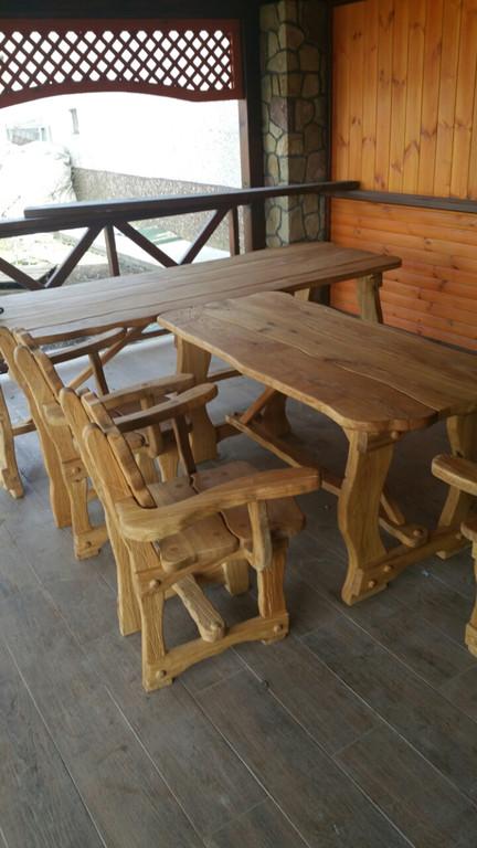 Ексклюзивні столи і стільці з дерева. -1