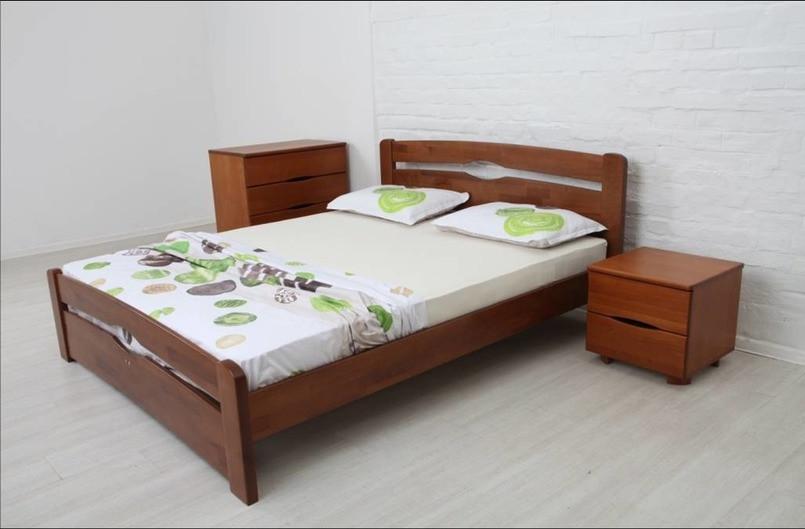 Двуспальная кровать Микс-Мебель Каролина деревянная