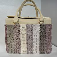 """Изящная сумка  бежевого цвета """"под крокодил"""""""