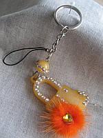 Брелок для ключей и флешки  пластиковый длина с кольцом  13,0 см.
