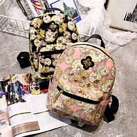 Рюкзак женский стильный с цветами и шипами.