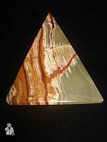Пирамида из оникса (7.5 см.)