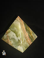 Пирамида из оникса (15 см.)