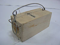 Мышеловка деревянная норка