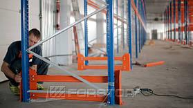 Торцевая защита была установлена на каждую стеллажную раму. Такую опцию рекомендуется использовать во всех проектах для складов с высокой интенсивностью движения погрузочной техники.