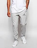 Мужские спортивные штаны Jordan серые (черный принт)
