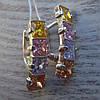 Серебряные серьги со вставками из разноцветных фианитов