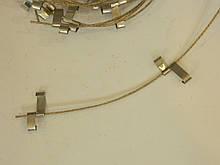 Алюминиевые крепления с тросиком для кабеля в водосточных трубах
