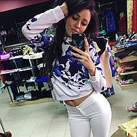 Женский стильный белый свитшот с цветами