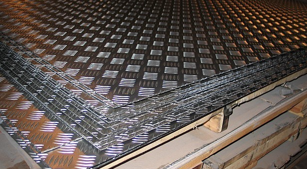 Лист рифленый 3x1250x2500 чечевица