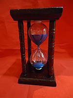 Деревянные песочные часы с синим наполнителем