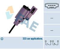 Выключатель стоп-сигнала (жабка) Skoda Oktavia/Fabia, VW Bora/Golf/Sharan/T4/T5/Touareg/Cayenne - FAE24760