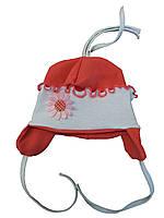Шапка на завязках с цветочком
