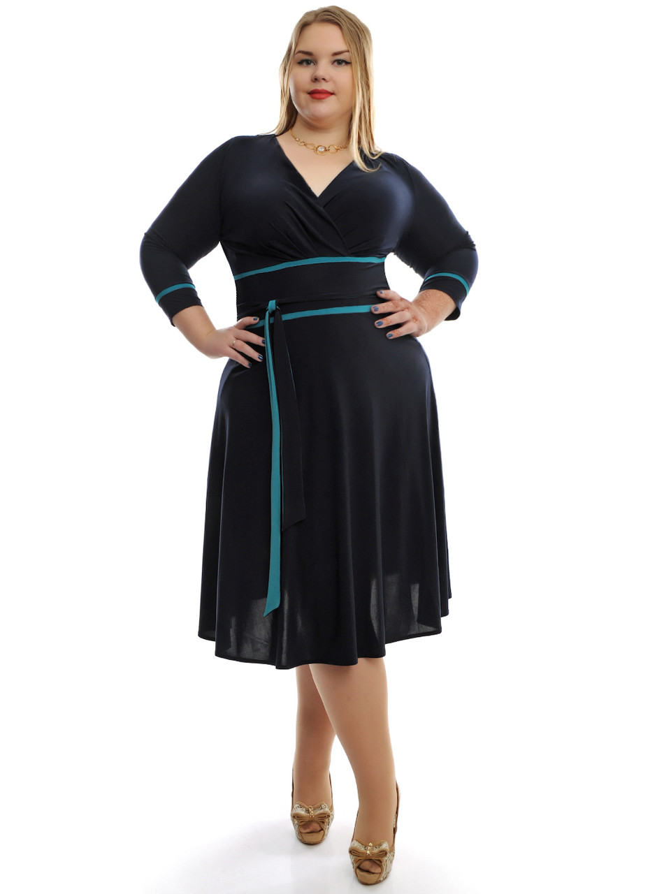 Платья женские больших размеров