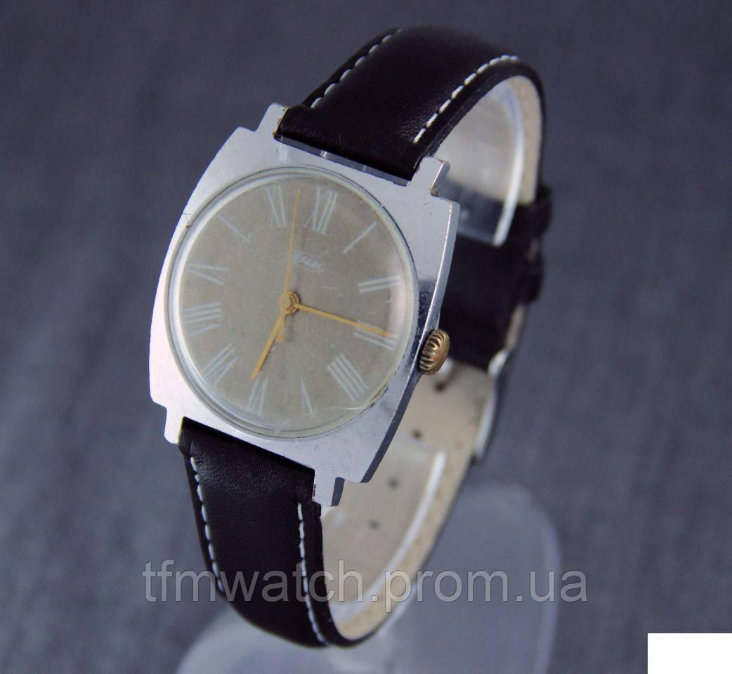 Механические часы  ЗИМ СССР